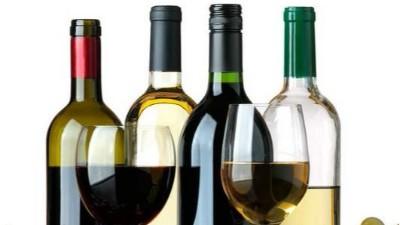 普通塑料瓶可以装酒精吗